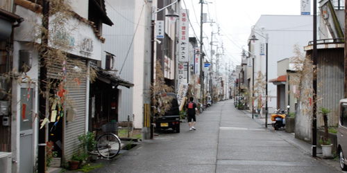 七夕飾りの須崎・新町商店街
